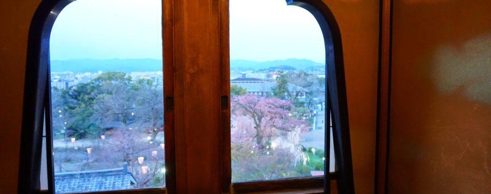【LE CHENE】通常非公開 御成の間からのしだれ桜観賞付フレンチディナー【2020年3月28日(土)~4月5日(日)】